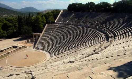 23 FOTO 5 teatro-giego-de-Epidauro